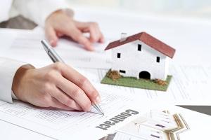 """เรื่องน่ารู้ """"สินเชื่อที่อยู่อาศัย"""" รู้ไว้สักนิดก่อนคิดจะกู้แบงค์ เพื่อขอสินเชื่อไปซื้อบ้านของตัวเอง"""