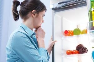 สัญญาณเตือน 7 อย่างสำหรับตู้เย็นที่เสียแล้วต้องซ่อมทันที อย่าทิ้งไว้นาน