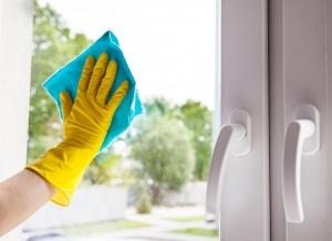 8 ทริคขจัดฝ้าบนกระจกให้หายวิ๊ง ไม่เหลือคราบการเกิดซ้ำ
