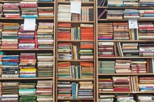 วิธีจัดบ้านแบบ KonMari ตอน หนังสือมากมหาศาล เอกสารบานตะไท จัดอย่างไรให้เข้าทาง