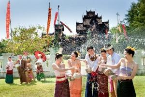 """""""ประเพณีสงกรานต์ สืบสานวัฒนธรรมไทย """" รวมสถานที่จัดงานสงกรานต์แบบไทย  สำหรับคนกรุงเทพฯ และใกล้เคียง"""