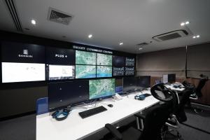 """แสนสิริ ผนึกพลัส พร็อพเพอร์ตี้ เปิดตัว """"Smart Command Centre""""  ศูนย์เฝ้าระวังอัจฉริยะจากส่วนกลาง แจ้งเตือนเหตุฉุกเฉิน 24/7  แห่งแรกของวงการอสังหาฯ ไทย เพิ่มประสิทธิภาพสูงสุดในการบริการ"""