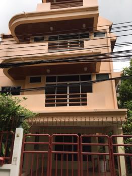 Luxury Town Home 4 storey Sukhumvit 31 is a modern 4 bedroom near Asoke BTS, Sukhumvit MRT