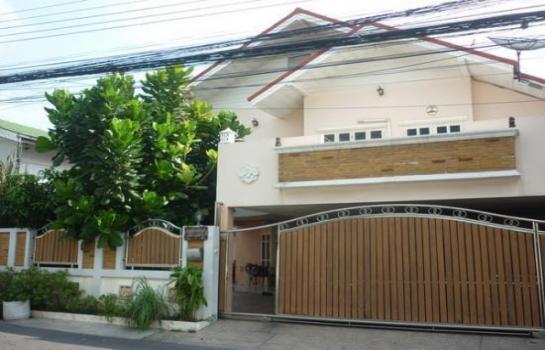 บ้านบางแคกรุงเทพ ให้เช่าบ้านราคากันเอง 2 ชั้น แถวพุทธมณฑลสาย2 หมู่บ้านมหามงคล 1 2 ห้องนอน  2 ห้องน้ำ  1 ห้องครัวกว้าง ห้องโถ่งใหญ่ 1 ห้อง ด้านหน้าบ้านจอดรถได้ 2 คัน  **ด่วน หาคนที่ดูแลบ้านเหมือนบ้านตัวเอง  สนใจติดต่อ   0942496628 คุณเกม (เจ้าของบ้าน)