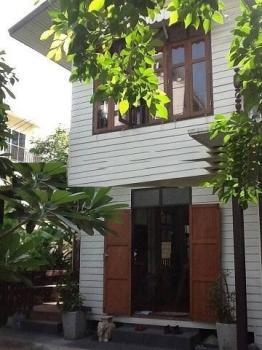 บ้าน ให้เช่า ให้เช่าบ้านเดี่ยวสุขุมวิท 26 ซอยข้างโรงแรมโฟร์วิงส์ สามารถรีโนเวทได้  ใกล้BTSพร้อมพงษ์