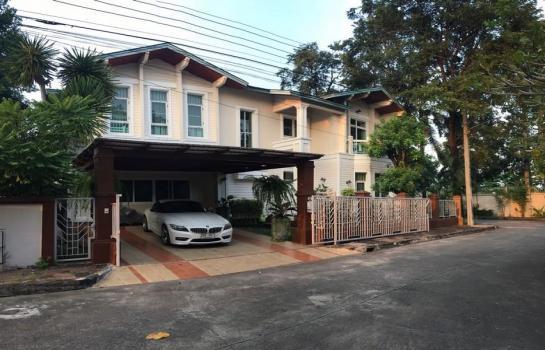 ให้เช่าบ้านเดี่ยว 2 ชั้น Luxury House For RENT 86ตรว 5 ห้องนอน หมู่บ้านปริญสิริ ไพรเวซี่ ซอยโยธินพัฒนา 3 หลังมุม เลียบทางด่วนเอกมัย รามอินทรา บ้านสวย ร่มรื่น ถนนประดิษฐมะนูธรรม บางกะปิ