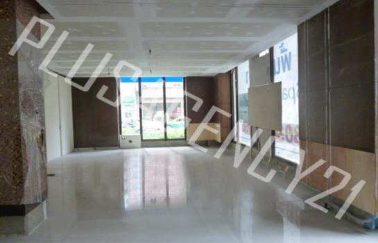 Prime Ground for Rent Sukhuvmvit 24 Hotel and Condo Area Nice Location (��鹷����ҧ�������آ���Է 24 ���������Ѻ��áԨ��ҧ � ����ç�����Ф͹�ʹ���Ҿ�鹷��Դ�����ѹ��)