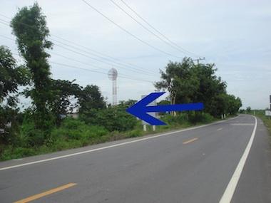��·��Թ ������ ˹ͧ� � ��к���  ˹�ҡ��ҧ 100 ���� �Դ��� 2 �Ź  ��鹷��16 ��� ��ҧ�ҡʶҹ�ö� ��ҹ�Ҫ� 10 �� ��â��� �дǡ��駷ҧ��� ����¸Թ�����͡�ҧ��������Land for sales at Nongcare Saraburi. The land width is 100 metre,next to 2 lane road