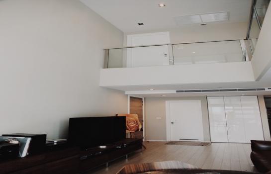 ขายคอนโดโครงการ The Room สุขุมวิท 21 ห้องดูเพล็กซ์ 2 ห้องนอน ขนาด 139 ตารางเมตร