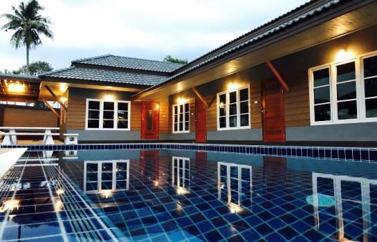 Pool Villa Pattaya 6 ห้องนอน  11000  บาทต่อวัน (DRBEN2)  บ้านเช่ารายวัน pool villa พัทยา 11000 บาทต่อวัน  ชุดมีห้องโถงใหญ่แอร์บ้านทั้งหลัง  บ้าน 6 ห้องนอน 6 ห้องน้ำ  สระน้ำแบบสระเกลือขนาด 3.5*9 ม สัญญาณอินเตอร์เน็ตไวฟาย โต้ะพูล