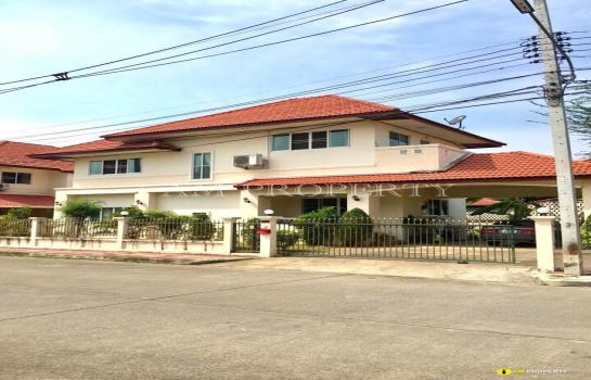 ขายบ้าน 2 ชั้น พร้อมเฟอร์นิเจอร์ หมู่บ้านรุ่งอรุณ 3 เฟส 5 เนื้อที่กว้าง 99 ตร.ว โซน หางดง เชียงใหม่