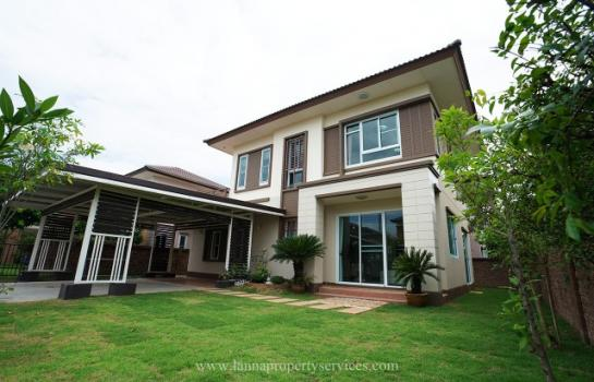 Furnished home in a community of Vararom.