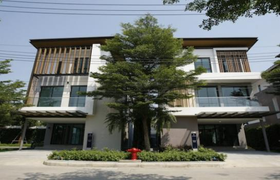ขายหรือให้เช่าบ้าน 3 ชั้นโครงการหรู เอคิว ฮาเบอร์ สวนหลวง AQ Arbor Suanluang ใกล้สวนหลวง ร.9 พัฒนาการตัดใหม่ ศรีนครินทร์ พาราไดซ์พาร์ค ซีคอน ถนนเฉลิมพระเกียรติ
