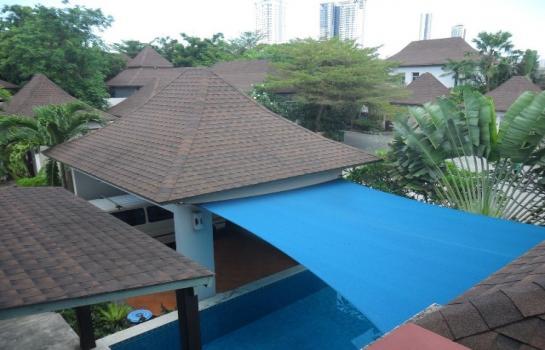 Pool Villa Pattaya ใกล้หาดจอมเทียน  12000 บาทต่อวัน (DRP36)  บ้านเช่ารายวันแบบ pool villa จอมเทียน ใกล้ทะเล  บ้านพัก 3 ห้องนอน  ราคาสำหรับ 10 ท่าน เกินท่านละ 500 บาทค่ะ  บ้านหลังใหญ่ โล่งโปร่ง สบาย มีห่วงยาง และสระน้ำ แอร์ทุกห้องนอนรวมไปถึงสัญญาที่อิ