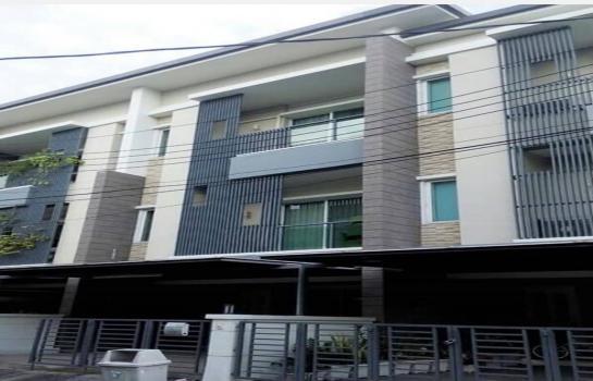 ให้เช่า เดือนละ 30,000 หรือขาย 6.3 ล้าน ทาวน์เฮ้าส์  Townplus X Ladprao ลาดพร้าว ของ แสนสิริ สนใจ0938825883