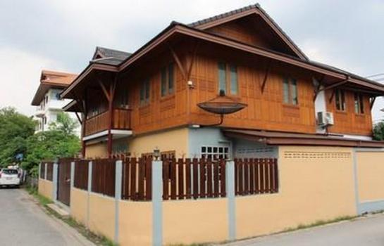 HR 0207 ให้เช่าบ้านเดี่ยวทรงไทย 2 ชั้น พื้นที่ 84 ตารางวา พร้อมเฟอร์นิเจอร์ ใกล้โรงเรียนบดินทร์เดชา