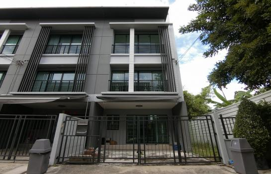 ขายทาวน์โฮม 3 ชั้น หลังริม บ้านกลางเมือง พระราม 2 - พุทธบูชา (บ้านใหม่ ไม่เคยเข้าอยู่)