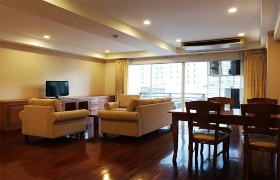 Nagara Mansion Apartment in Ploenchit, Bangkok