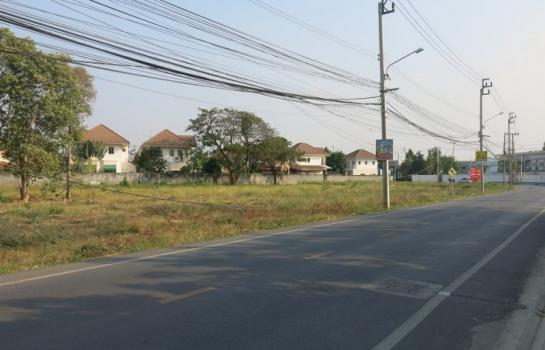ที่ดินบางใหญ่ นนทบุรี ให้เช่าที่ดินเปล่าถมแล้ว ติดหมู่บ้านลลิล ซอยวัดเสาธงหิน บางใหญ่ ขนาด 20*30 เมตร