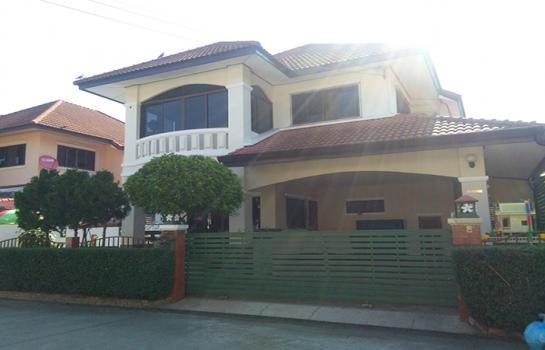 A4MG1213 ให้เช่าบ้านเดี่ยว 2 ชั้น พื้นที่ 62 ตารางวา มี 3 ห้องนอน 3 ห้องน้ำ 1 ห้องครัว จอดรถได้ 1 คัน ราคา 18,000 บาทต่อเดือน