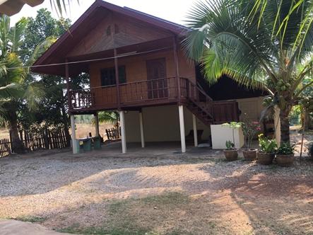 ขายบ้านสวนพร้อมที่ดิน 5 ไร่ 2 ชั้น 3 ห้องนอน 2 ห้องน้ำ