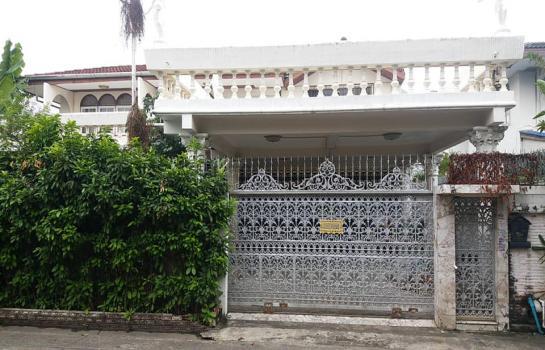 ขายด่วนบ้านเดี่ยว 2 ชั้น ซอยรามอินทรา3 ใกล้รถไฟฟ้า หมู่บ้านอัมรินทร์นิเวศน์1