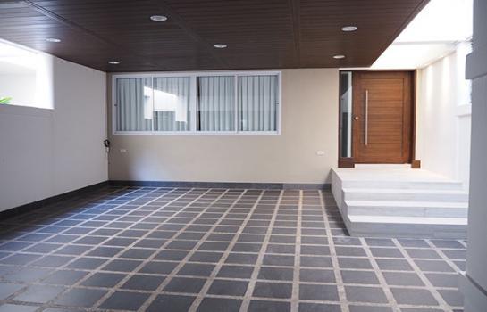 ทาวน์เฮ้าส์ยานนาวา ขายด่วน ! ทาวน์โฮม 4 ชั้น Garden House พระราม 3 พื้นที่ 32.4ตร.วา 5ห้องนอน 6ห้องน้ำ รีโนเวทใหม่ทั้งหลัง !